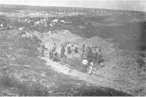 На місці памятного знаку жертвам Голокосту