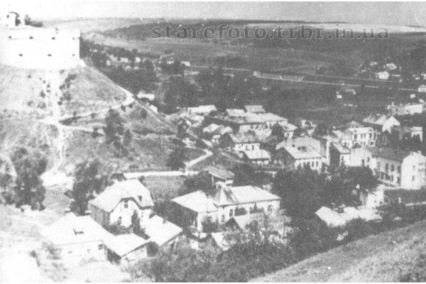 Вид на замок і місто з Покрівки