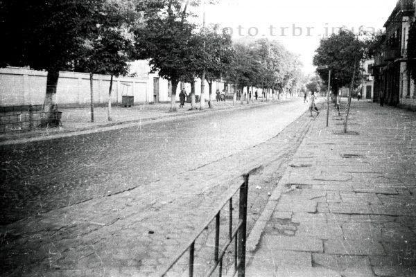 Головна вулиця